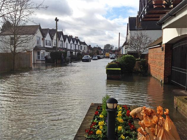 Flooding in Thames Ditton