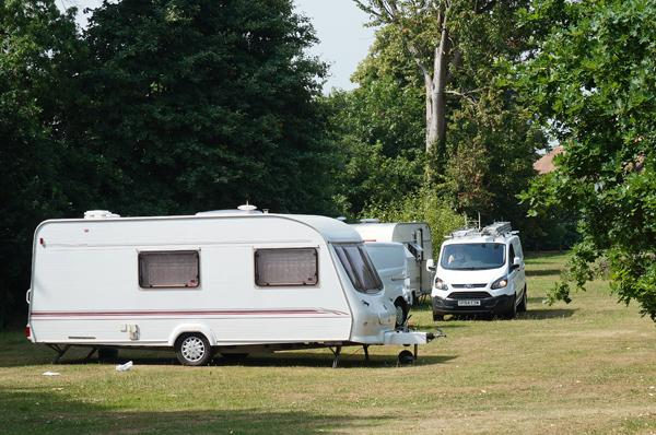 Travellers off Longmead Road 21Jun17 LR